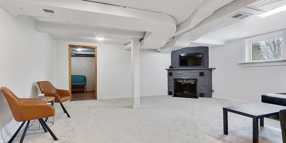 821 Royal Boulevard - Cozy Basement