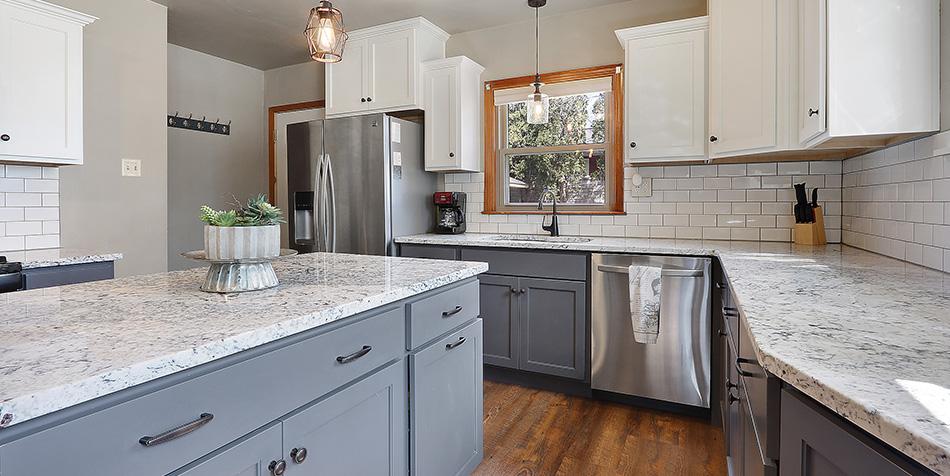 821 Royal Boulevard - Full Kitchen