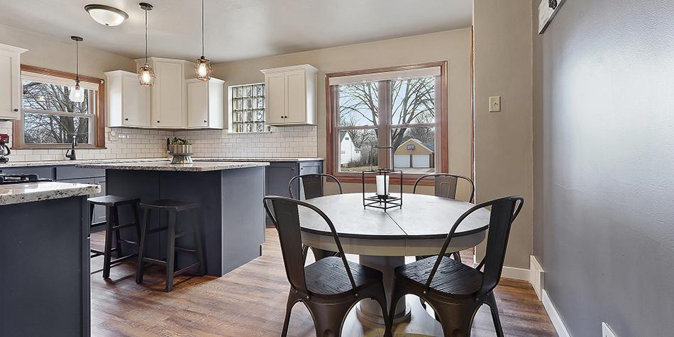 821 Royal Boulevard - Kitchen