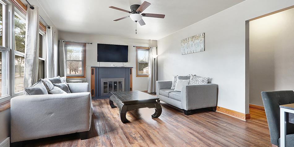 821 Royal Boulevard - Living Room Space