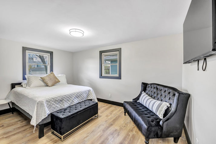 1095 Shadow Lane Bedroom 2