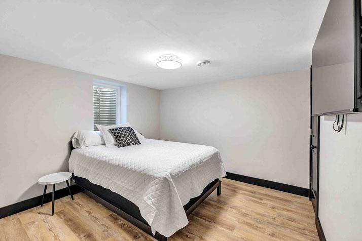1095 Shadow Lane Bedroom 3
