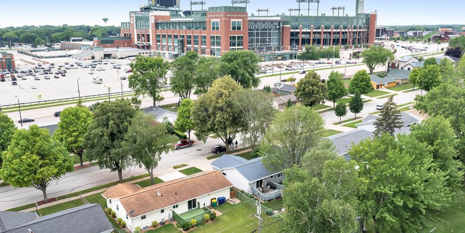 1174 Shadow Lane Lambeau Field View